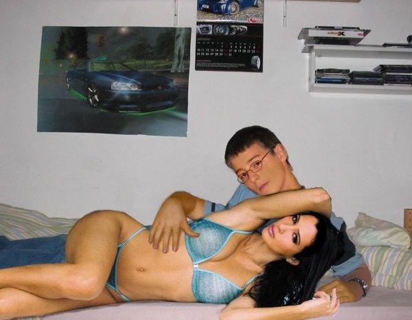 kim-kardashian-photoshop-gozluklu-eleman