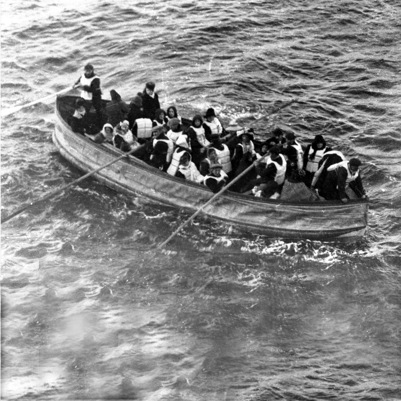 titanic-filikasi-uzerinde-kazazedeler