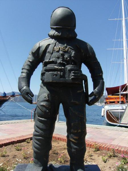 marmaris-astronot-heykeli