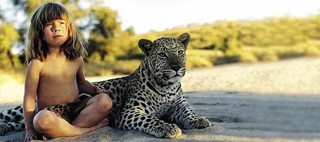 tippi-leoparla-yanyana-oturuyor