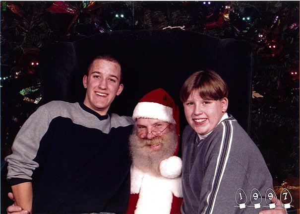 two-brothers-annual-santa-photos-34-years-18