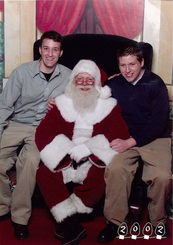 two-brothers-annual-santa-photos-34-years-23
