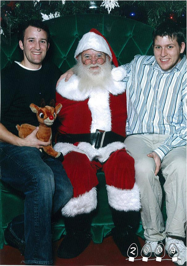 two-brothers-annual-santa-photos-34-years-30