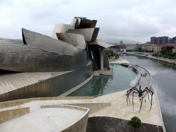 1-Guggenheim-Muzesi-Bilbao-Ispanya