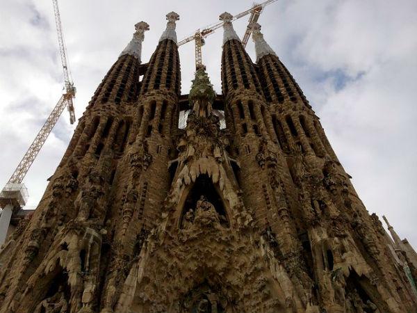12-Sagrada-Familia-Barselona-Ispanya