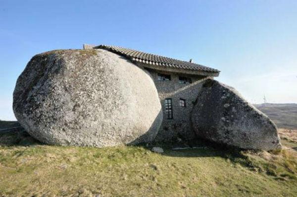 16-Stone-House-Fafe-Daglari-Portekiz