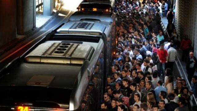 metrobus-vs-taksi