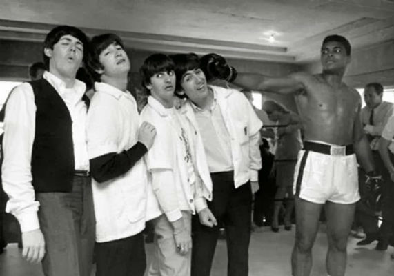 the-beatles-muhammed-ali-yumruk