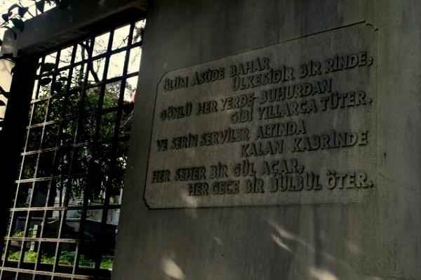 olum-asude-bahar-ulkesi-yahya-kemal-mezar
