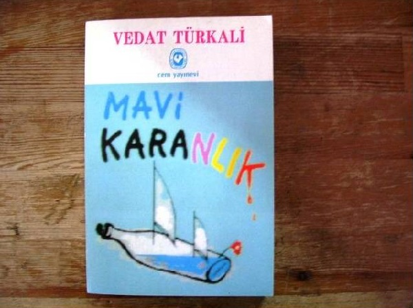 bodruma_kacan_aydinlar_mavi_karanlik-vedat-turkali