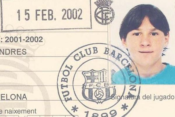 09lionel-messi-carnet-barcelona