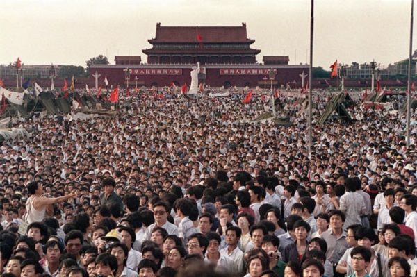 Tiananmen-Square-Thousand-001