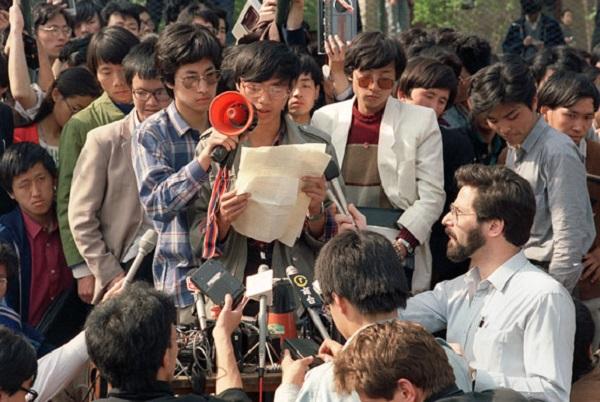 Tiananmen-Square-Wang-Dan-005