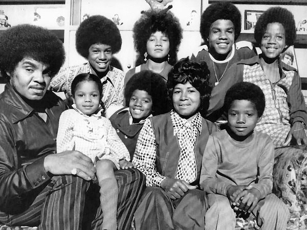mj-02-TheJacksonFamily