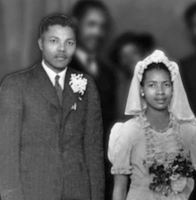 1944 - ilk esi Evelyn Mase ile evlendi mandela