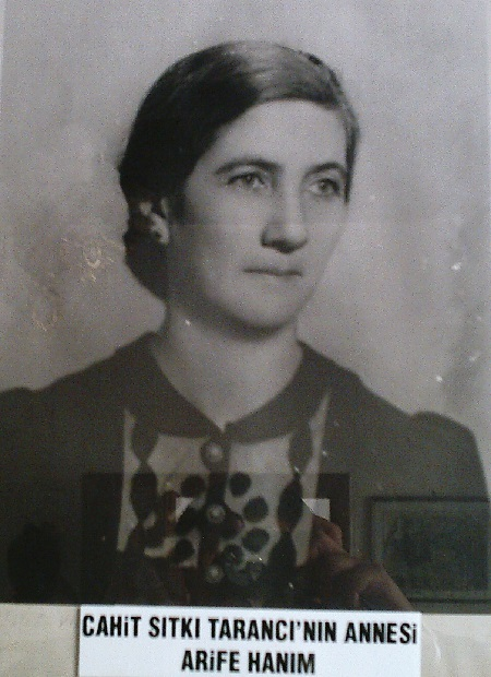 cahit-sitki-taranci-annesi