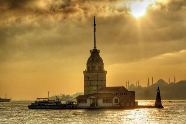 denizin_ortasindan_selam_kiz_kulesi