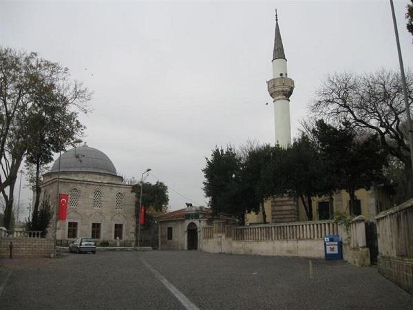 istanbul-evliyalari-07-merkez-efendi