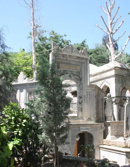 istanbul-evliyalari-12-cifte-gelinler