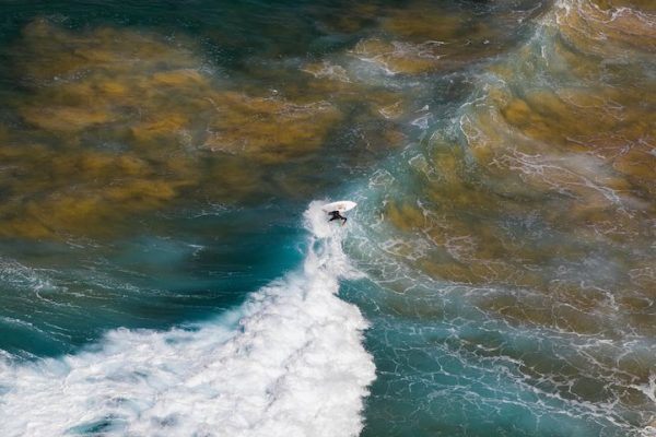 A adventurous surfer on Mars - 2014-06-22_267502_spontaneous-moments.jpg