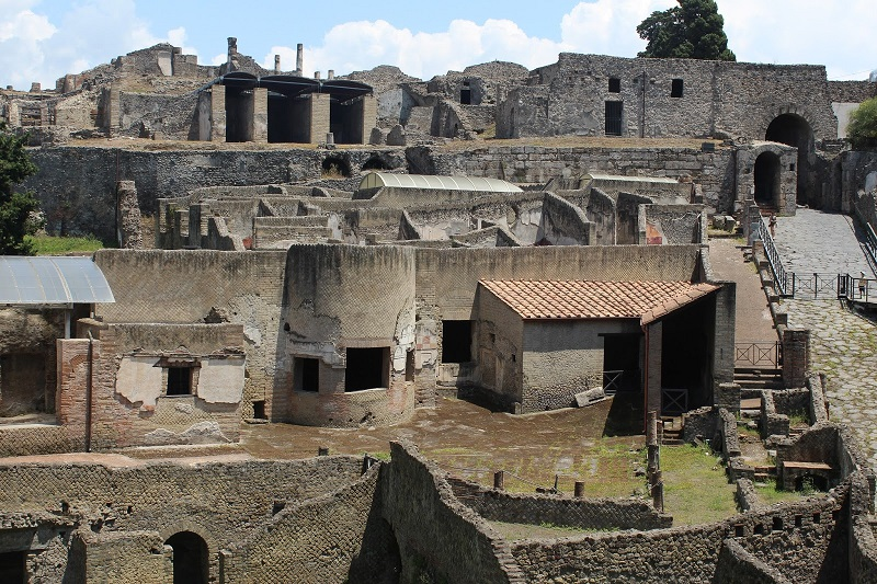 pompeii-300m