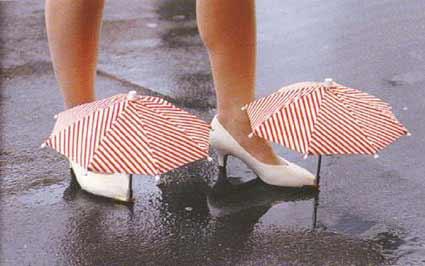semsiyeli-ilginc-ayakkabi