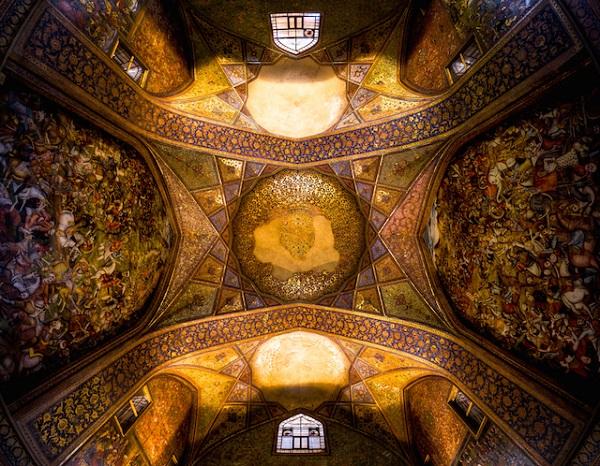 Chehel-Sotoun-Palace-Isfahan-ganji