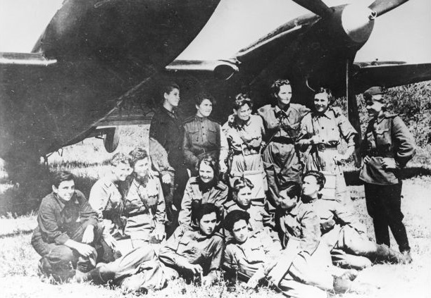 night witches- listelist