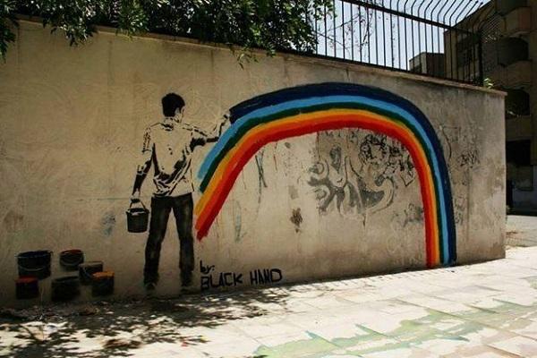 tahran-sokaklarini-renklendiren-sanatci