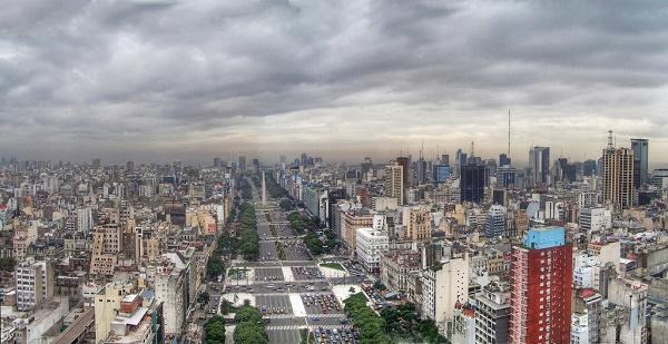 Buenos_Aires_-_Monserrat_-_Avenida_9_de_Julio-listelist