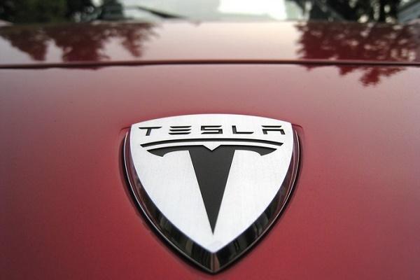 Tesla-Motors-listelist