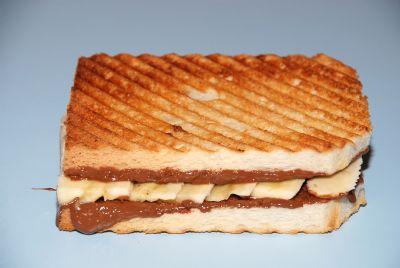 leyla tost
