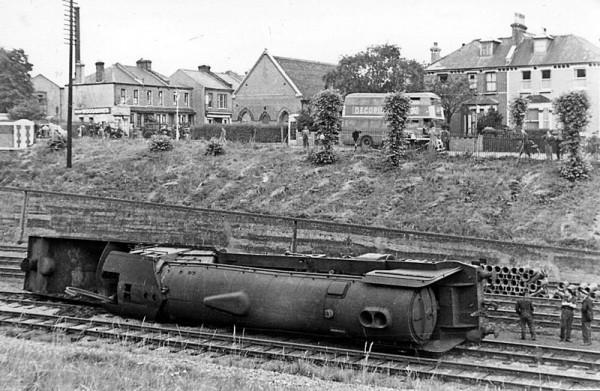 tren-kazasi-southngate