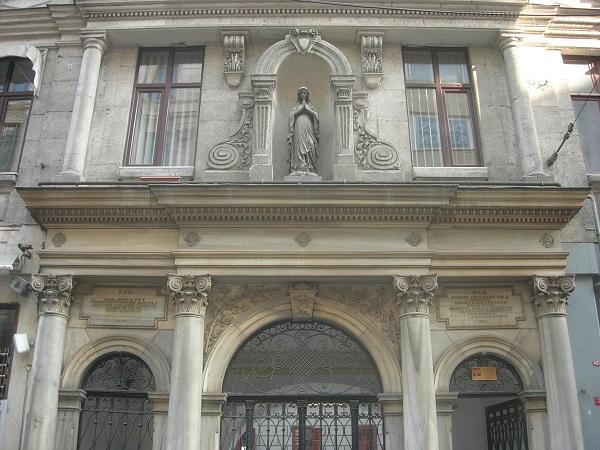 Santa-Maria-Draperis-kilisesi