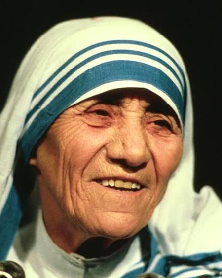 insanlari-yargilarsan-onlari-sevmeye-zamanin-kalmaz-rahibe-teresa-listelist