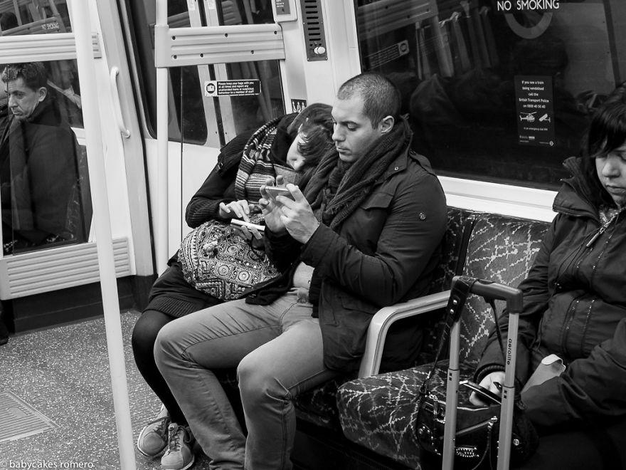 modern-insan-yalnizlasmak-fotograf11