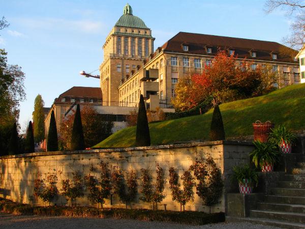 Zurih-universite