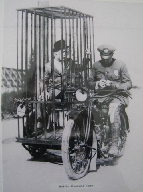 harley-antik-polis