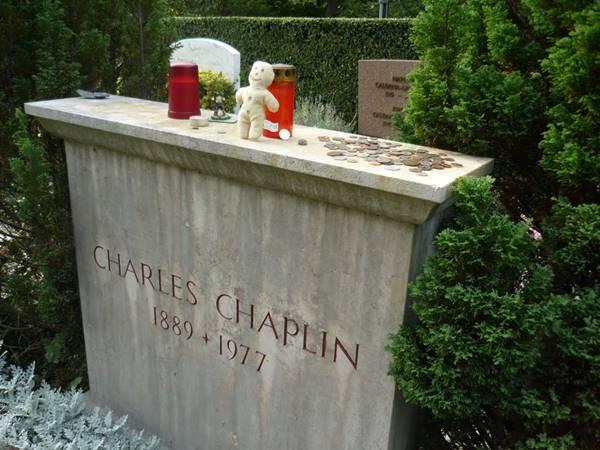 002-bir-huzur-verin-listelist-charlie-chaplin