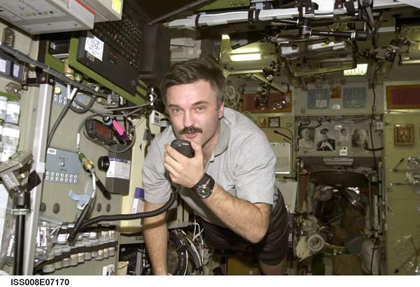 002-saniye-ileride-yasayan-kozmonot-aleksandr-kaleri-listelist