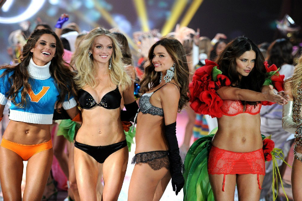 2012-Victoria-Secret-Fashion-Show-yilbasi