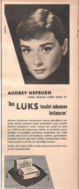 eski-reklamlar-eve-gelen-hepburn