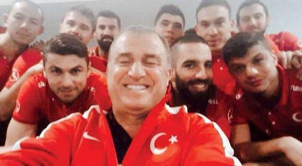 fatih-terim-selfie