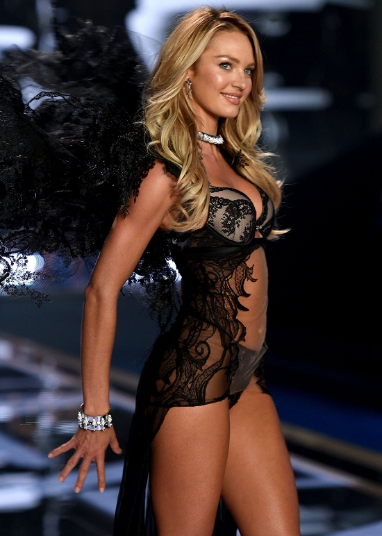 heres-candice-swanepoel-wearing-a-stunning-black-outfit
