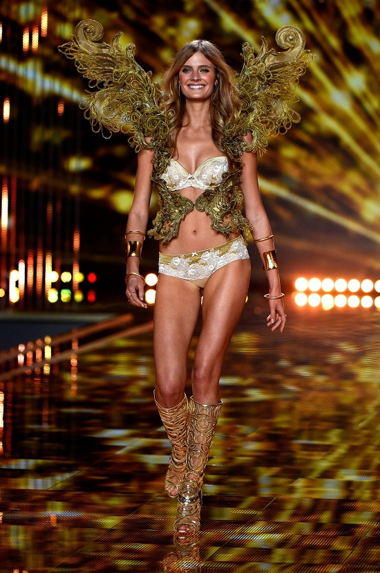 the-gilded-wings-segment-featured-glittery-designs