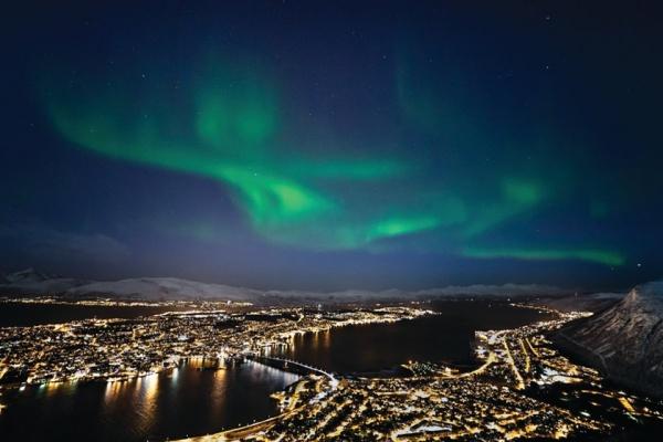 kuzey isiklari tromso norvec