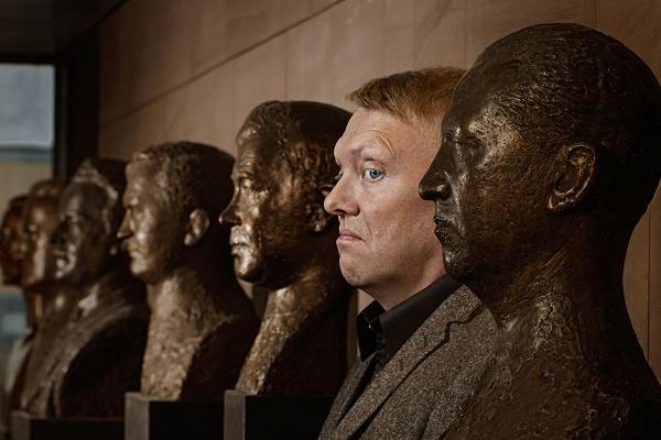 Jon_Gnarr_Statues