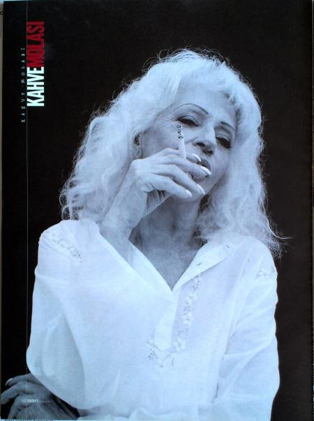 aysel gurel sigara