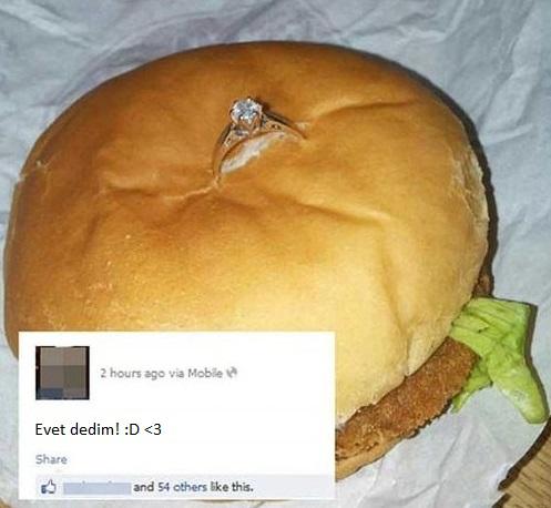 burger-evlilik-teklifi