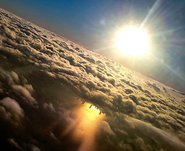 chicago-reflected-in-lake-michigan-from-an-airplane-by-mark-hersch-07